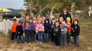 Kindergarten Visits The Pumpkin Patch