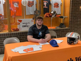 Igaz Signs LOI to Play Football for Urbana University