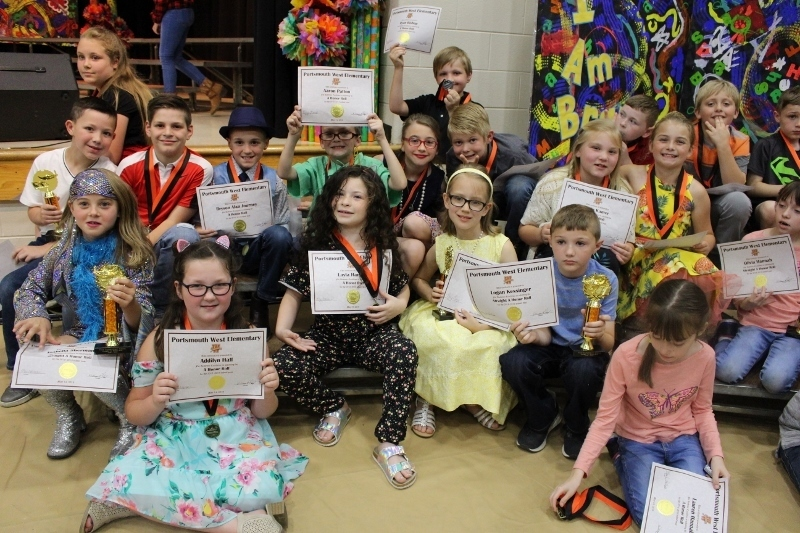 3rd Grade students with their certificates